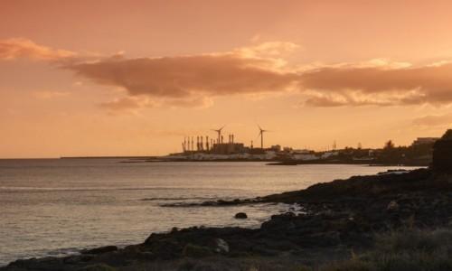 Zdjęcie HISZPANIA / Wyspy Kanaryjskie - Lanzarote / Arrecife / odsalarnia wody morskiej