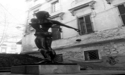 Zdjecie HISZPANIA / Katalonia / Figueres / Rzeźba przed Museo-Teatro Dali
