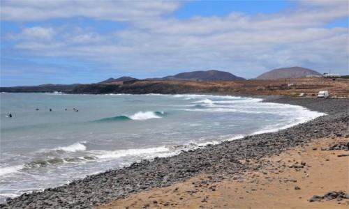 HISZPANIA / Wyspy Kanaryjskie / Lanzarote / Plaża w Arrieta