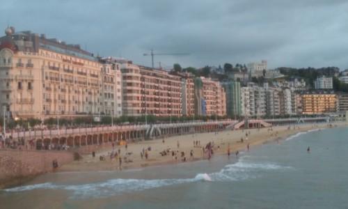 Zdjęcie HISZPANIA / Kraj Basków / San Sebastian / Plaża pod wieczór