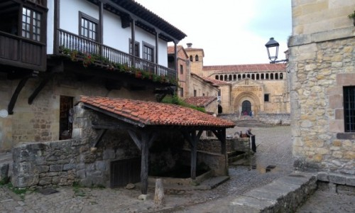 Zdjecie HISZPANIA / Cantabria / Santilliana del Mar / Zaułek