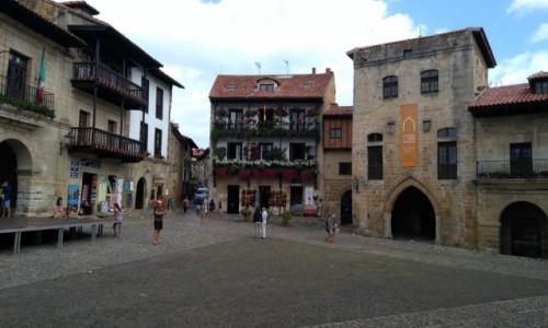 Zdjecie HISZPANIA / Cantabria / Santilliana del Mar / Rynek
