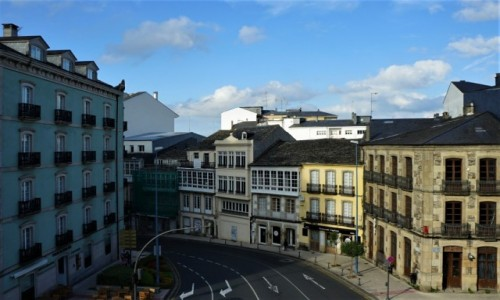 Zdjęcie HISZPANIA / Galicja / Lugo, mury Starego Miasta / Za murami