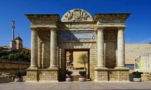 Zdjecie HISZPANIA / Andaluzja / Kordoba / Puerta del Puente