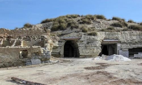 HISZPANIA / Andaluzja, Almería / gdzieś po drodze / Jak się buduje domki w skale