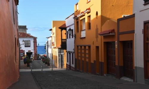 HISZPANIA / Teneryfa / Garachico / Kolorowa uliczka