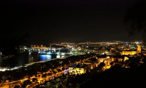 Zdjecie HISZPANIA / - / Malaga / Malaga - miasto wieczorem