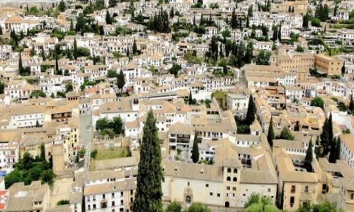 Zdjecie HISZPANIA / Andaluzja / Granada / Nad dachami Granady.