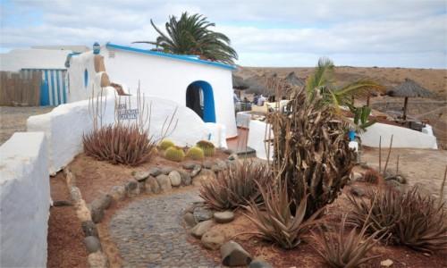Zdjecie HISZPANIA / Wyspy Kanaryjskie / Lanzarote / Bar przy plaży Papagayo
