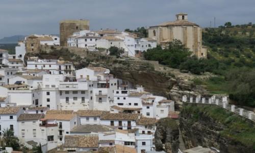 HISZPANIA / Andalusia / Setenil de las Bodegas / Miasto w skale