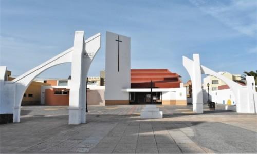 Zdjecie HISZPANIA / Wyspy Kanaryjskie / Corralejo / Corralejo,kościół