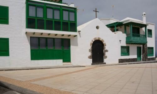 Zdjecie HISZPANIA / Wyspy Kanaryjskie - Lanzarote / Caleta de Famara / Iglesia del Sagrado Corazon de Maria