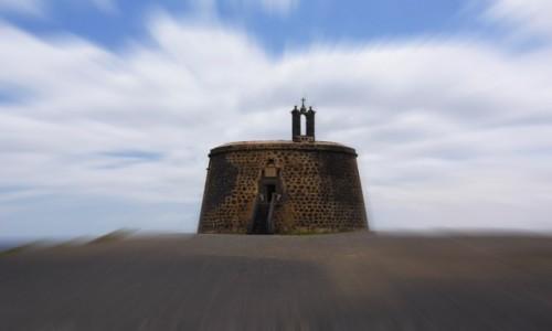 Zdjecie HISZPANIA / Wyspy Kanaryjskie / Playa Blanca - Lanzarote / Castillo del Aguila o de las Coloradas
