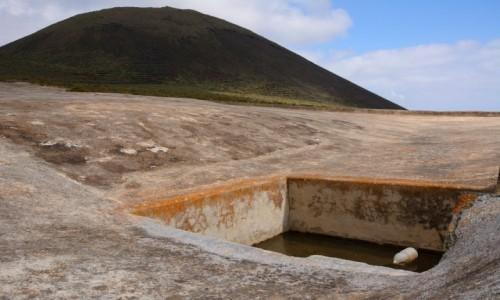 Zdjecie HISZPANIA / Wyspy Kanaryjskie / Lanzarote / zbiornik na wodę pod wulkanem La Corona