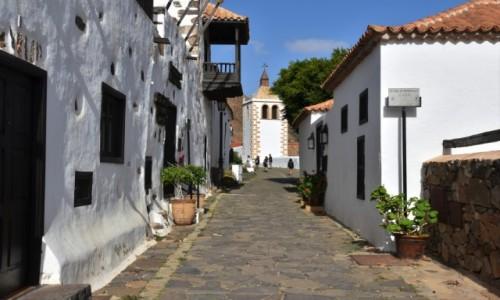 HISZPANIA / Fuertventura / Betancuria / Uliczka w Betancurii