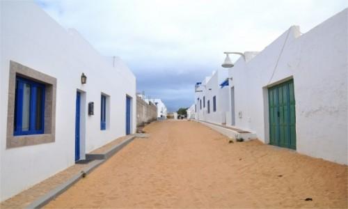 HISZPANIA / Wyspy Kanaryjskie / La Graciosa / Uliczki w Caleta del Sebo