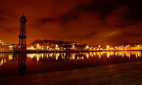 Zdjęcie HISZPANIA / Katalonia / Barcelona / Barcelona nocą