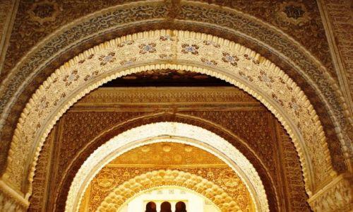 Zdjęcie HISZPANIA / Andaluzja / Granada/Alhambra / Łuki