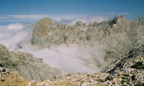 Zdjęcie HISZPANIA / Kantabria / Picos de Europa, okolice Naranjo de Bulnes / Kamień, powietrze i słońce