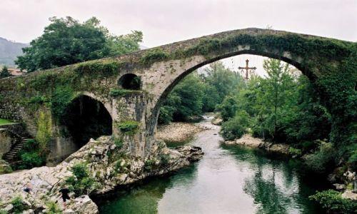 Zdjecie HISZPANIA / Asturia / Most rzymski w Cangas de Onis / Tam, gdzie nie stanęła stopa Maura