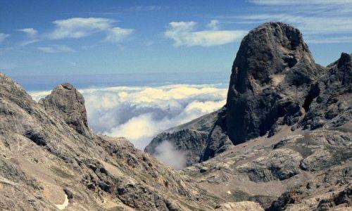 Zdjęcie HISZPANIA / Kantabria / Picos de Europa / Oko w oko z zębem