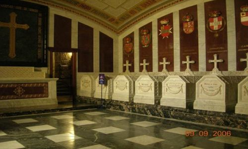 HISZPANIA / Sierra de Guadarrama / San Lorenzo / El Escorial Groby Królewskie