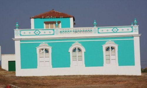 Zdjecie HISZPANIA / Fuerteventura / Antigua / Dziwny dom