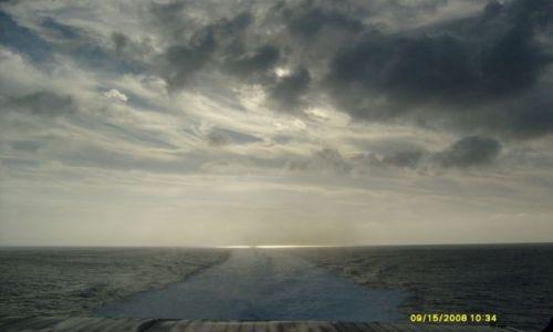 Zdjecie HISZPANIA / między  Teneryfa a LA GOMERA / ocean atlantycki / koniec kuli ziemskiej ( morskiej)