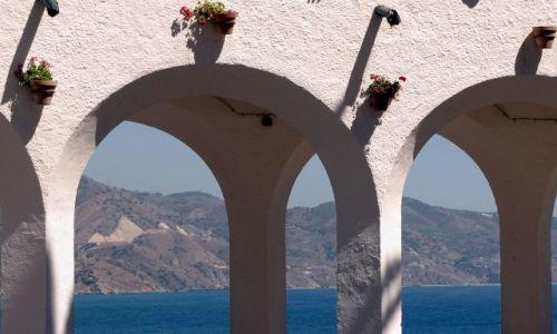 Zdjecie HISZPANIA / Andaluzja / Malaga / między kolumnam