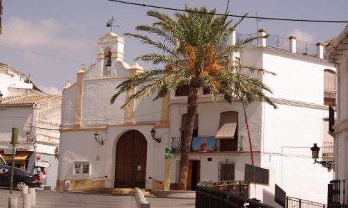Zdjecie HISZPANIA / Andaluzja / Alora / kościółek pod palmą
