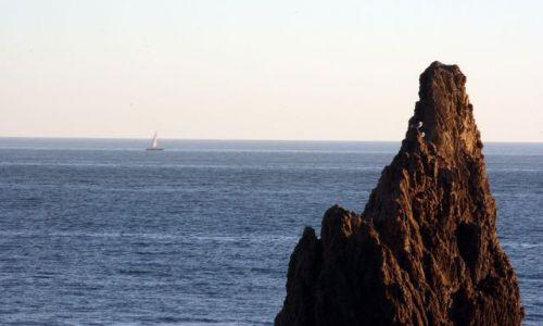 Zdjęcie HISZPANIA / Andaluzja / Cabo de Gata / Samotny biały żagiel