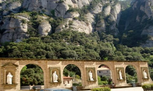Zdjecie HISZPANIA / brak / Gory Montserrat / klasztor