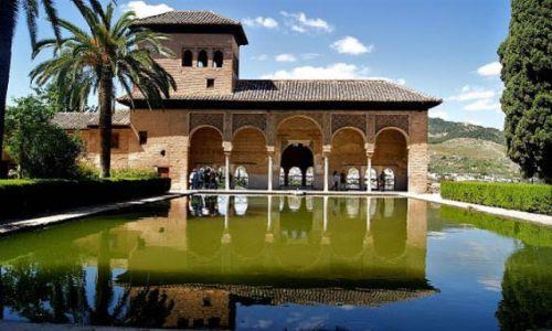Zdjecie HISZPANIA / Andaluzja - Granada / Alhambra / Piękne dziedzińce Alhambry