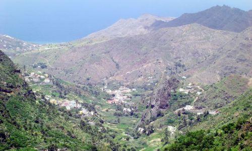 HISZPANIA / La Gomera / Hermigua / Hermigua - widok ze szczytu