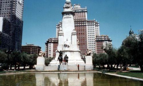 Zdjęcie HISZPANIA / - / Madryt. / PLAC HISZPAŃSKI - Pomnik Cervantesa (1927).