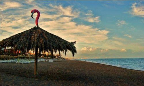 Zdjecie HISZPANIA / Andaluzja / Torremolinos / Opustoszała plaża w Torremolinos