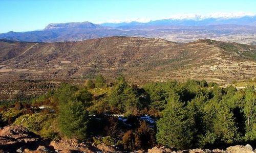 Zdjęcie HISZPANIA / Pireneje / kilkadziesiąt kilometrów za Saragossą / białe szczyty