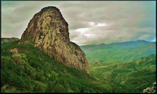 Zdjęcie HISZPANIA / Wyspy Kanaryjskie / Gomera / Roque de Agando - 1246 m.