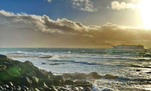 Zdjecie HISZPANIA / Gran Canaria / Puerto de las Nieves / Fred Olsen zawija do portu