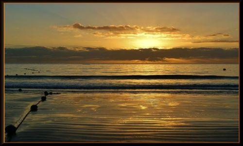 Zdjecie HISZPANIA / Gran Canaria / Playa del Ingles / Słońce wschodzi w Playa del Ingles
