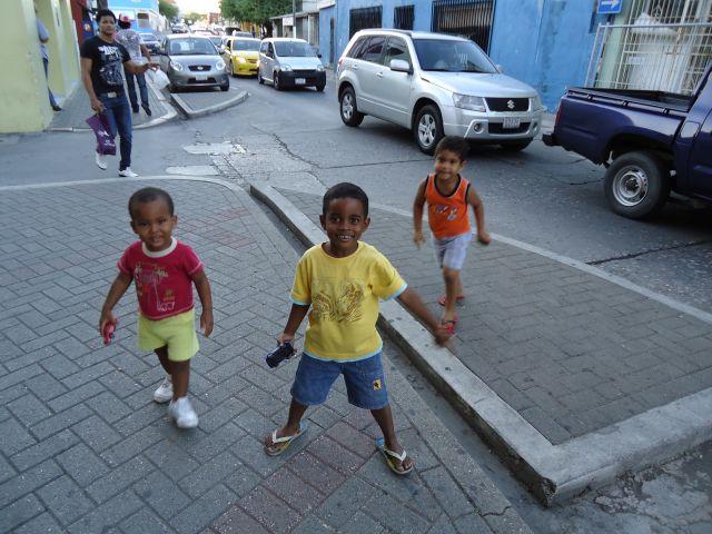 Zdjęcia: Willemstad, Antyle Holenderskie / Curacao, Lokalesi, HOLANDIA