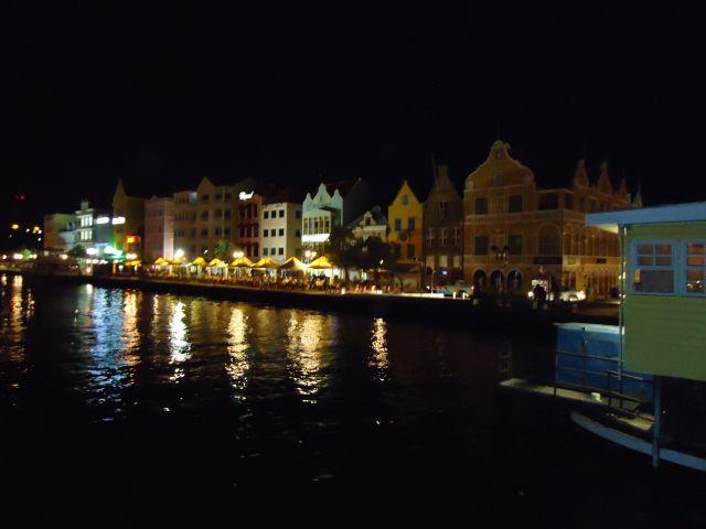 Zdjęcia: Willemstad, Antyle Holenderskie / Curacao, Punda by night, HOLANDIA