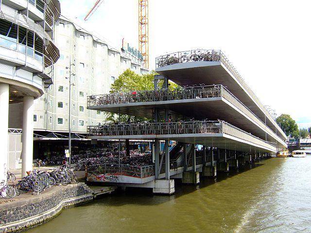 Zdjęcia: Amsterdam, Holandia, rowerowy parking, HOLANDIA