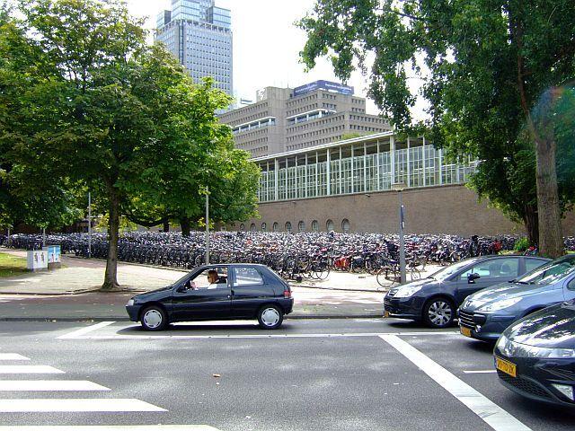 Zdjęcia: Amsterdam, Holandia, rowerowy parking 2, HOLANDIA