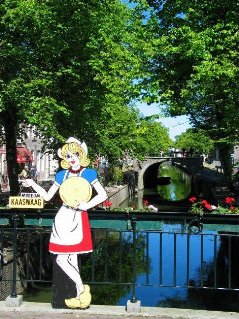 Zdjęcia: Edam, Tu wyrabia sie ser Edamski., HOLANDIA