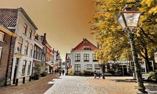 Zdjęcie HOLANDIA / zuid holland / Leiden / Uliczka w Leiden