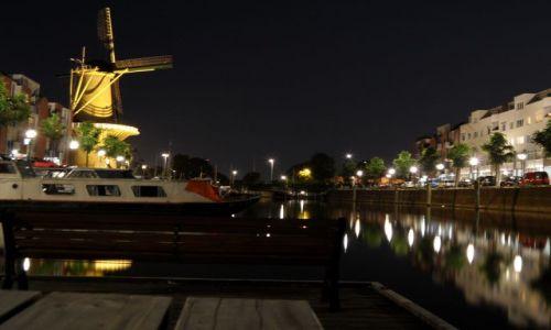 Zdjecie HOLANDIA / Holandia / Rotterdam/Delfshaven / Rotterdam/Delfshaven noca