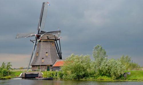 HOLANDIA / zuid holland / Kinderdijk / Wiatrak - domostwo