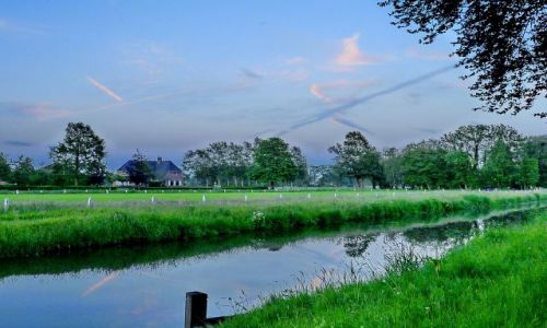 HOLANDIA / Overijssel / Zenderen / Koniec dnia nad kanałem