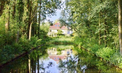 Zdjęcie HOLANDIA / Gelderland / Arnhem / Dom na końcu kanału